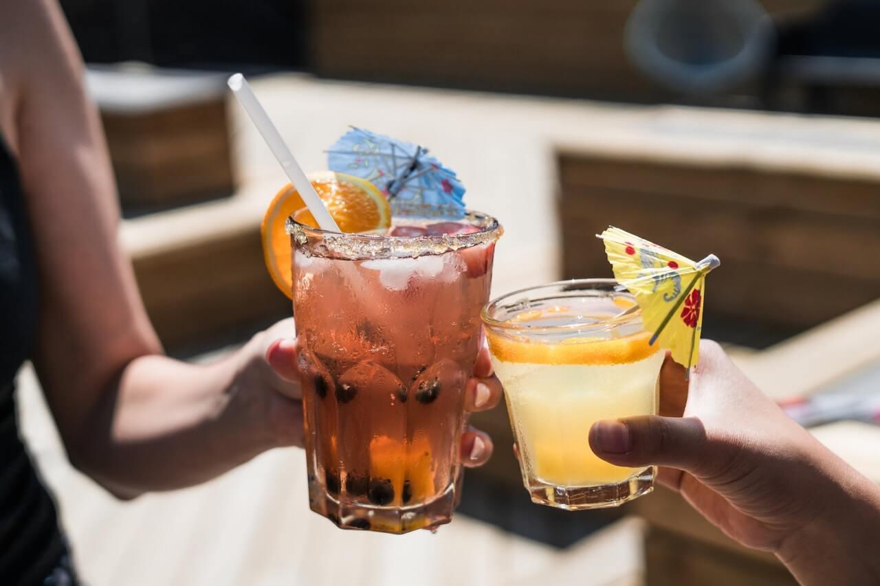 alcohol-bar-beverage-545058